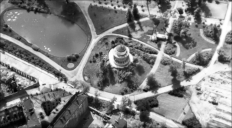 Warszawa_OgrodSaski_zdjecie1944r