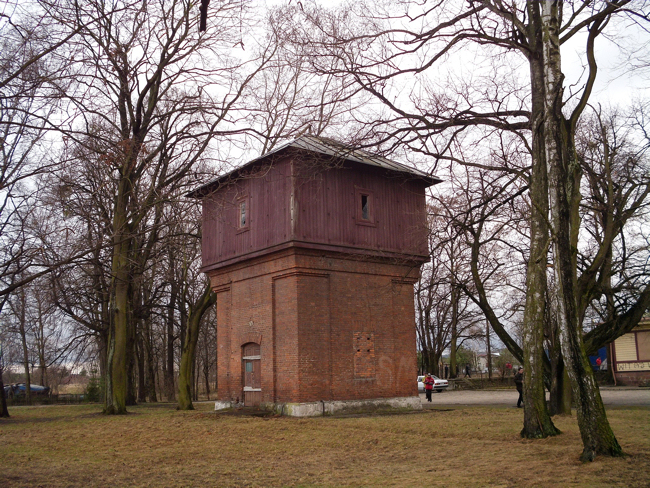 Wola_Uhruska_water_tower